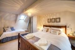 medlar bedroom